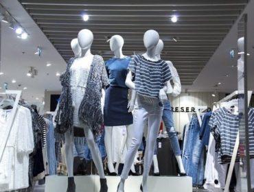 Когда дешевле покупать брендовую одежду?